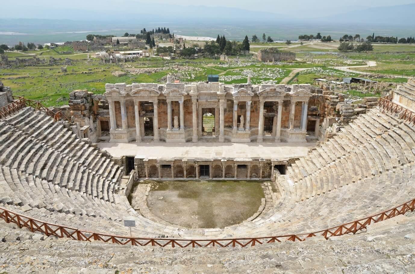 Thành phố cổ linh thiêng Hierapolis