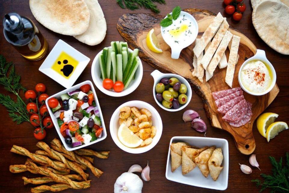 Trong bữa sáng của con người Thổ Nhĩ Kỳ có nhiều món ăn làm từ rau củ quả.