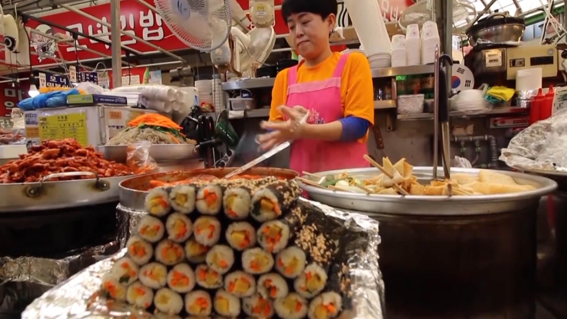 Ăn streetfood ở chợ Gwangjang