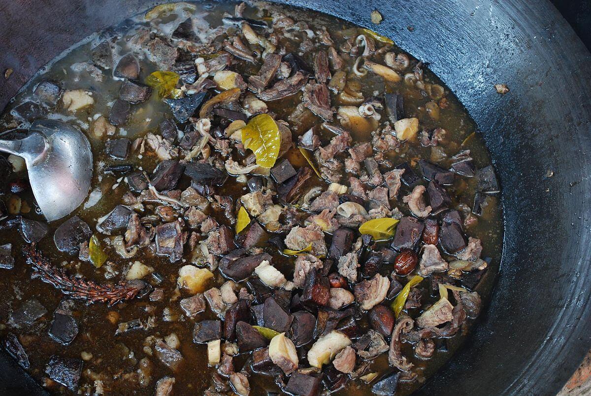 Thắng cố món ăn ngon độc và lạ của SaPa
