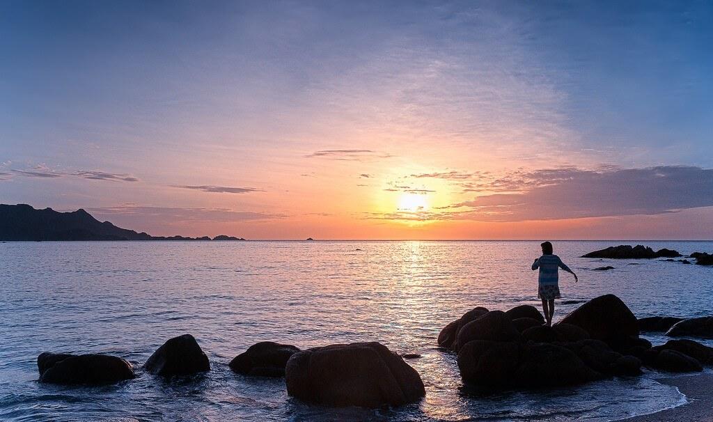 Bình minh tuyệt đẹp trên đảo Bình Hưng