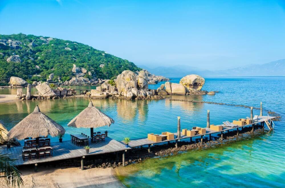 Nhà bè Trường Sa trải nghiệm lưu trú mới lạ trên đảo Bình Hưng.